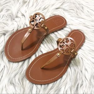 NIB Tory Burch Tan Flat Sandals with Shopping Bag